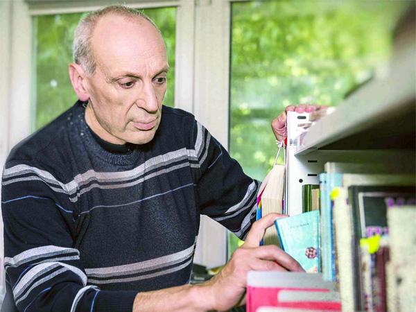 Беседа с Сашей Кругосветовым о сборнике «Цветные рассказы»